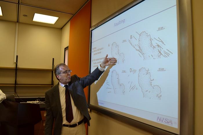 ورشة عمل عن النمذجة الزلزالية وتطبيقاتها في محاكاة الحركة الأرضية والحرارية الأرضية